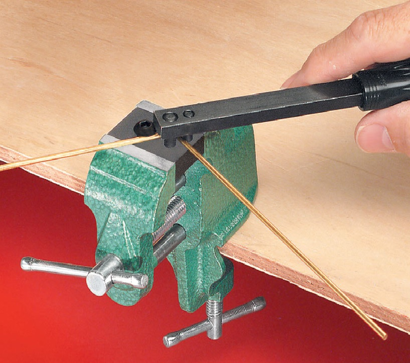 Vise Mounted Wire Bender