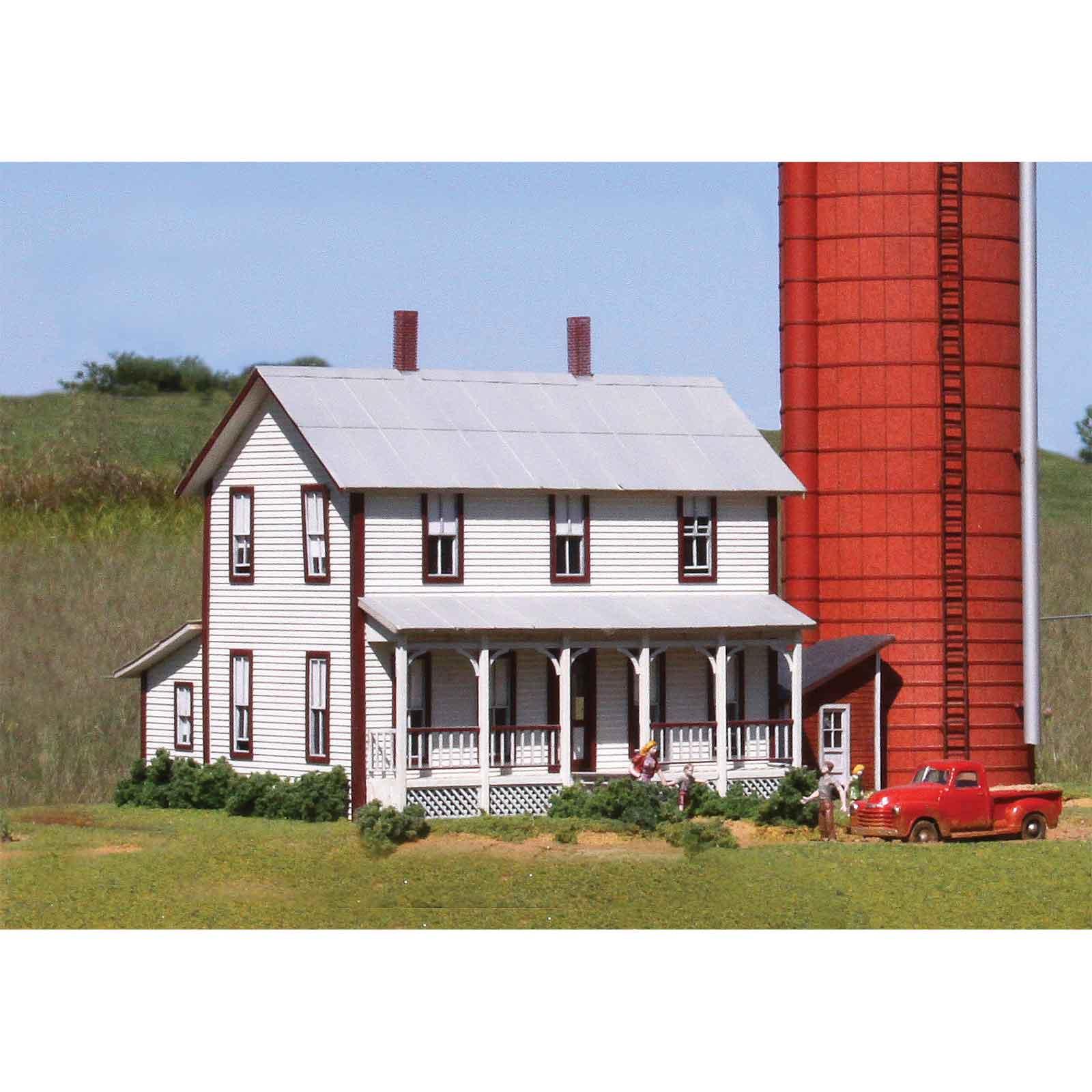 Laserkit two story farmhouse kit ho scale for Farmhouse building kits