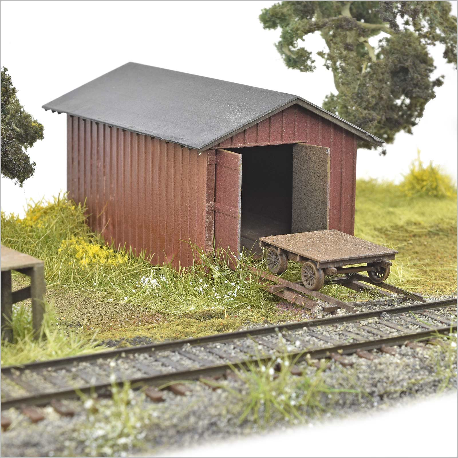 HO Handcar Shed and Handcar kit