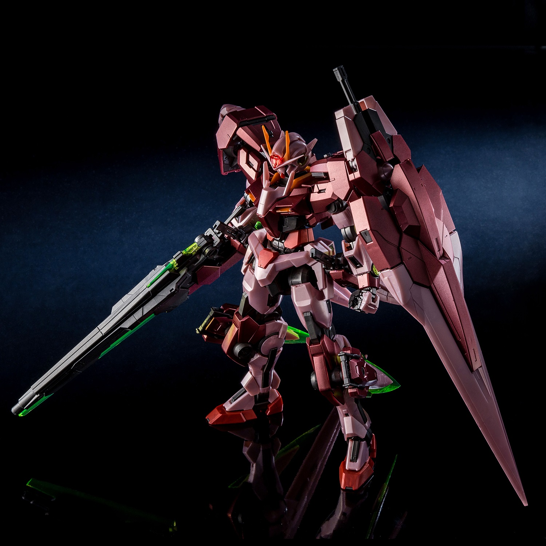 Bandai Master Grade Gundam 00 Seven Sword G Trans Am Mode