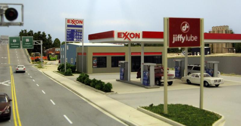 Customcuts Exxon™ Gas Station