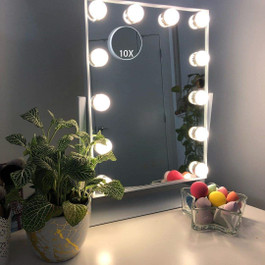Vanity Makeup Mirror with 12 Bulbs