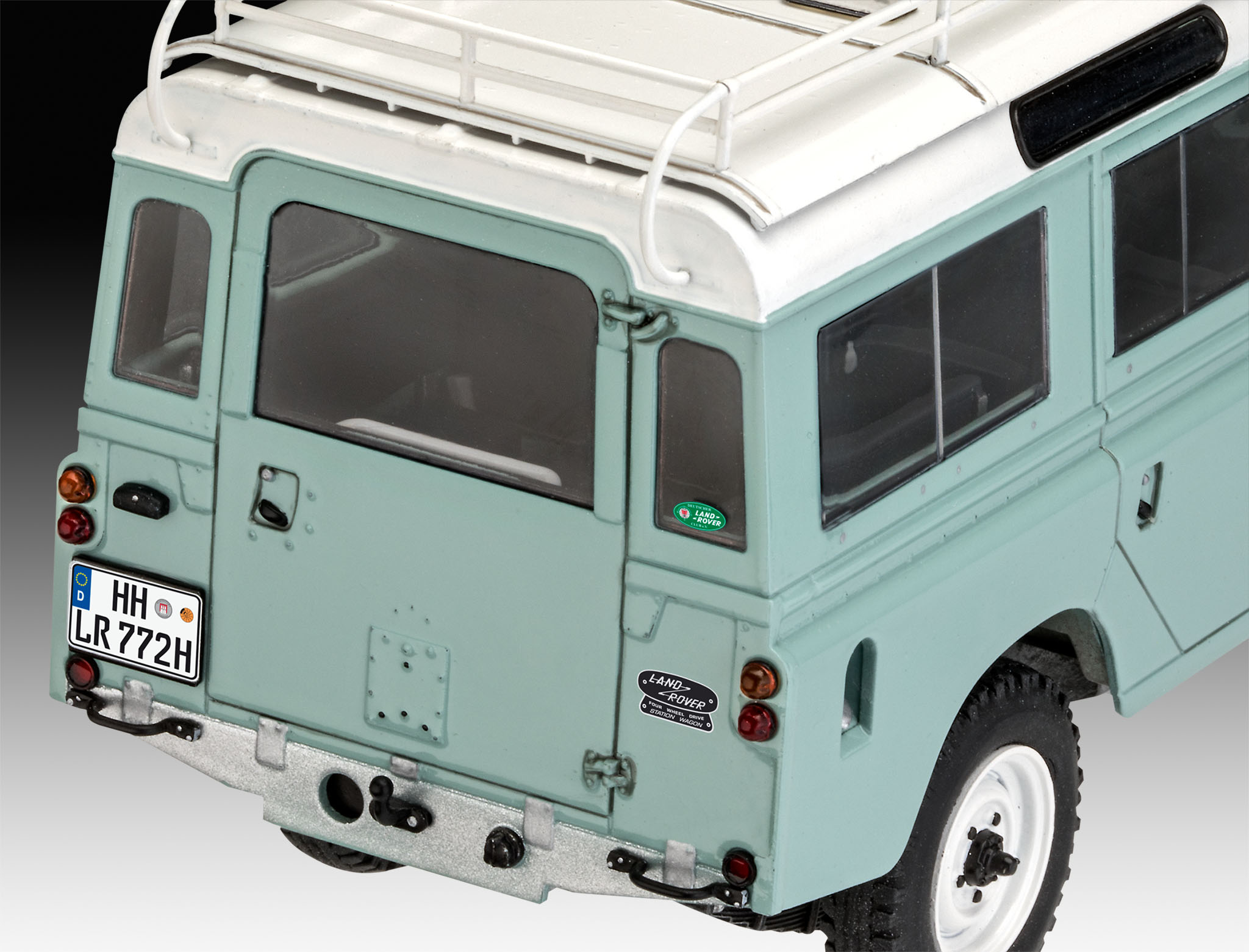 Land Rover III Series 109